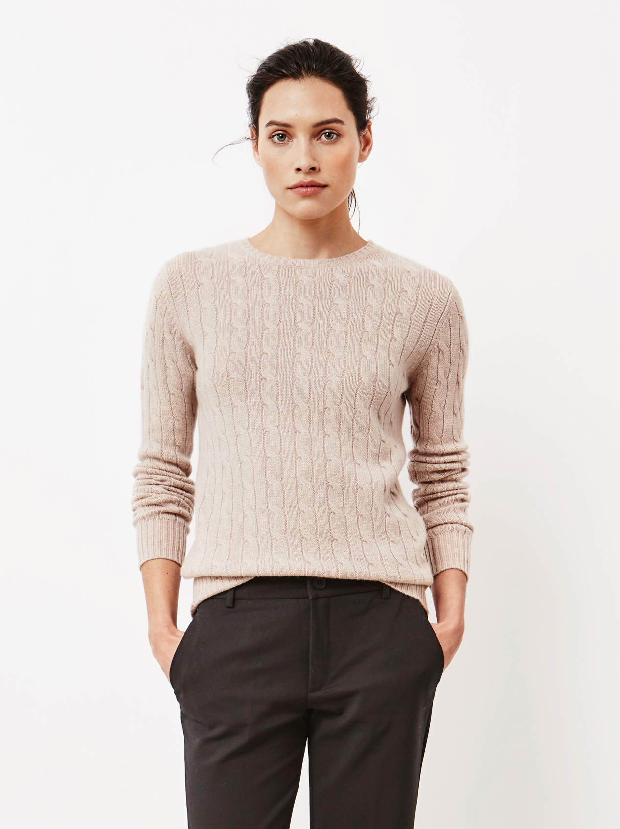 Soft Goat Women's Cable Knit O-Neck Smokey Rose